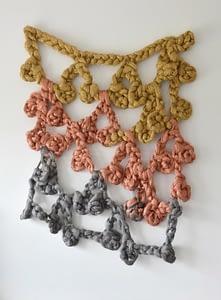 Laura Renna, Strascico, Lane di ottone, rame e acciaio inossidabile, cm 230x170x20,  2014,